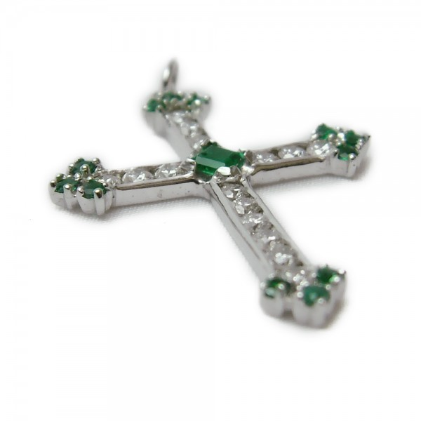 wht-gold-emerald-diamond-cross-1