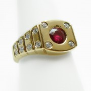 Gold-Ruby-Diamond-Ring-3