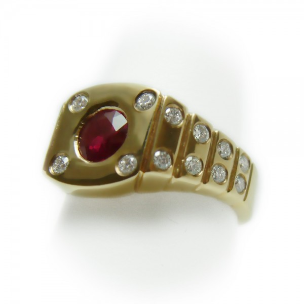 Gold-Ruby-Diamond-Ring