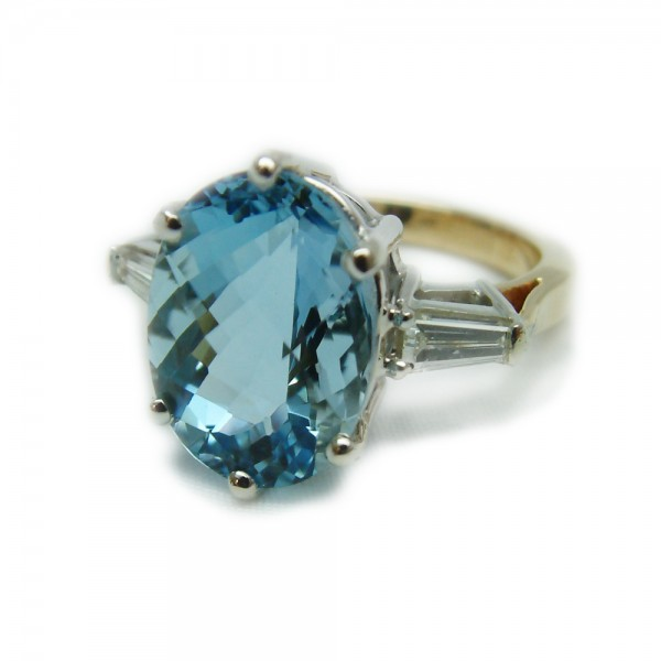 Aquamarine-Diamond-Ring