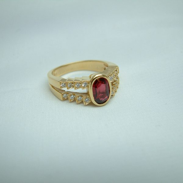 18K Yellow Gold Red Spinel and Diamond Ring featured